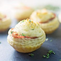 Being all fancy shmancy with these Rustic Potato Tartlets ... the kind of appetizer you will hover around the food table for. It's a cloudy weekend here hope you all are enjoing your weekend!  Copy and paste this link http://ift.tt/1QvWBU8 to get the recipe from @littlefiggyfood