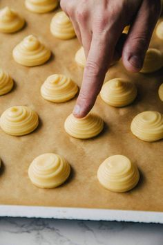 How to Make Choux Pastry - Desserts Donut Recipes, Pastry Recipes, Dessert Recipes, Choux Buns, Cream Puff Recipe, Choux Pastry, Shortcrust Pastry, British Baking, British Cook