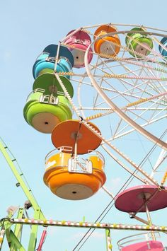 So fun! Love this brightly colored ferris wheel!