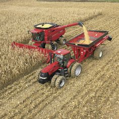 Looks like a Case harvester, tractor and overloader. Case Ih Tractors, Big Tractors, Farmall Tractors, Red Tractor, Country Farm, Country Life, International Tractors, International Harvester, Agriculture Farming