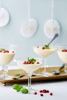 For a luxurious keto dessert, look no further. Pomegranate and mint add holiday color, but you can enjoy this elegant, make-ahead finish to your celebrations year-round! Low Carb Desserts, Fun Desserts, Low Carb Recipes, Paleo Recipes, Delicious Recipes, Dessert Recipes, Helado Keto, Vanilla Panna Cotta, Comida Keto