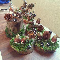 My Shelf/ダイソー/100均/ハンドメイド/どんぐりトトロのインテリア実例 - 2016-11-23 06:20:34   RoomClip (ルームクリップ) Christmas Crafts Sewing, Diy Christmas Garland, Diy Garland, Handmade Christmas, Acorn Crafts, Pine Cone Crafts, Pumpkin Crafts, Autumn Crafts, Nature Crafts