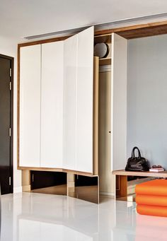 Home Decor that I love Cover Housing Shelter Door with a cupboard! Interior Design Website, Modern Home Interior Design, Apartment Interior Design, Interior Decorating, Shoe Cabinet Entryway, Shoe Cupboard, Shelter Design, Bomb Shelter, Lawn Furniture