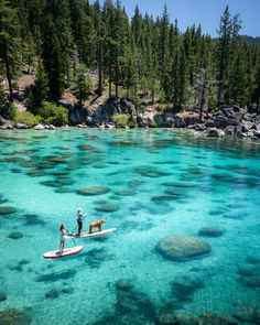 Lake Tahoe SUP! Lake Tahoe in the summer is the ultimate adventure travel destination! This Lake Tahoe itinerary includes all the best things to do at the lake including, hiking, mountain biking, water sports, and all the best photography ops! Lago Tahoe, Beautiful Places To Travel, Cool Places To Visit, Places To Go, Romantic Travel, Beautiful Places In California, Voyage Usa, Destination Voyage, Photos Voyages