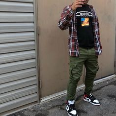 Dope Outfits For Guys, Swag Outfits Men, Stylish Mens Outfits, Casual Outfits, Mode Streetwear, Streetwear Fashion, Black Men Street Fashion, Black Men Casual Fashion, Teen Guy Fashion