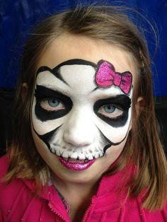 AmaDazzle Arts (Christina Kerr Davidson) || hotly skull