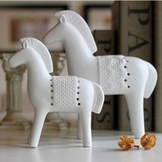Faust horses Frosted white Porcelain Figurines European Style Ceramic Crafts Gift furnishing articles contracted Home decoration(China (Mainland))