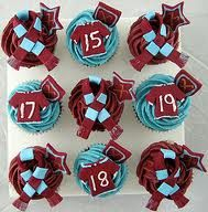 West ham cupcakes Cupcake Cakes, Cupcakes, Cake Decorating, Decorating Ideas, West Ham, Cakepops, Cake Ideas, Party Time, Football