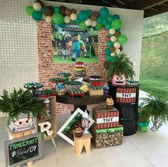 72 decoration ideas for Minecraft Birthday Party Minecraft Party Decorations, Birthday Party Decorations, Birthday Parties, Diy Home Crafts, Creative Crafts, Balloons Galore, Minecraft Birthday Party, Ideas Para Fiestas, Holiday Decor