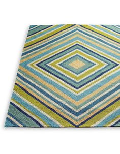 The concentric square pattern of our modern Spinnaker Outdoor Rug possesses a mesmerizing quality that simply can't be ignored.