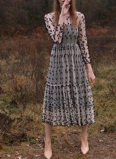 Foto de Los vestidos de Uterqüe Primavera- Verano 2018 son amor puro y su nueva tienda también (9/39)
