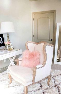 White and pink room decor