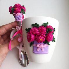 Mugs and spoons decorated whis polymer clay decor * Кружки и ложки с декором из полимерной глины, вкусный декор, сладкие ложечки, вкусняшки, торт, пирожное, крем, десерт, зверушки, цветы, зайчик, мишка, букет, подарок, с любовью, на праздник, макарун, макарон, на заказ