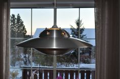 UFO spisebordslampe - www.artbypeo.com