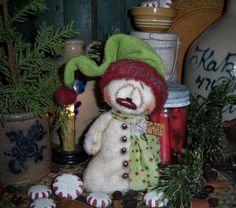 "Primitive Patti's Ratties 7"" Fuzzy Snowman Doll Snowflake Frosty Christmas Bear"