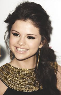 Selena Gomez ♥ Love her side pony