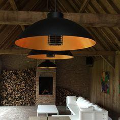 De Dome® Pendelend is een tijdsloze outdoor designverlichting met vijf krachtige verwarmingselementen van het Belgische Heatsail.