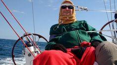 Malgré la maladie, Jean d'Artigues continue à vivre sa passion pour la mer. Il va bientôt réaliser son rêve en traversant l'Atlantique sur un voilier.