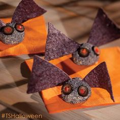 Made these too cute Boo Bats for a work party. BIG HIT! Check out my website, www.tastefullysimple.com/web/nstewart for more Tastefully Simple Halloween ideas!