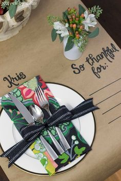 Thanksgiving table runner made from a roll of Kraft paper - love this!