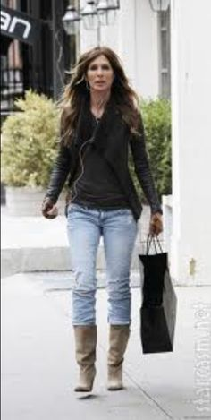 Carole from rhony. I can only hope to look like this when I'm 49!! Carole Radziwill, Street Chic, Autumn Winter Fashion, Fall Outfits, Celebrity Style, Style Inspiration, My Style, Womens Fashion, Bravo Housewives