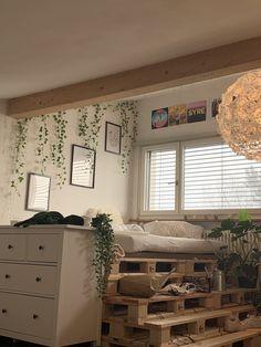 Indie Room Decor, Cute Room Decor, Aesthetic Room Decor, Indie Bedroom, Study Room Decor, Bohemian Bedroom Decor, Room Design Bedroom, Room Ideas Bedroom, Bedroom Inspo