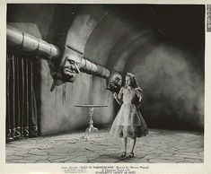 Alice_In_Wonderland,_still,_Paramount,_1933-1_e