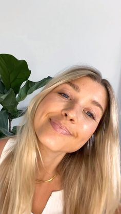 Alexa from HQ + her 🖐-minute clean routine. ✨ Dew Skin Tinted Moisturizer in Medium ✨ Skin Twin Creamy Concealer in Medium 1 ✨ Satin Powder Blush in Nectar ✨ Brilliant Brow Gel in Invisible ✨ Volumizing Mascara ✨ Beyond Gloss in Bare Shimmer Clean Makeup, Makeup Set, Bronzer, Concealer, Volume Mascara, Brow Gel, Tinted Moisturizer, Lip Colors, Brows