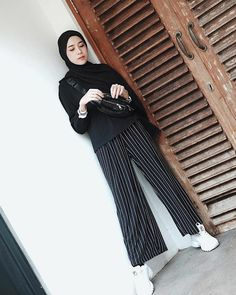Modern Hijab Fashion, Muslim Fashion, Modest Fashion, Trendy Fashion, Korean Fashion, Fashion Outfits, Hijab Style, Casual Hijab Outfit, Ootd Hijab