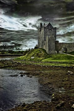 The chess-piece-style Dunguaire Castle was erected around 1520 by the O'Hynes clan and is in excellent condition following extensive restoration.  www.lonelyplanet.com/ireland/county-galway/kinvara/sights/architecture/dunguaire-castle#ixzz3E3uYCTLj