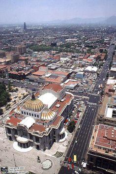 Palacio de Bellas Artes Mexico City - Photo © Mark Zanzig