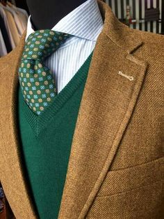 Mens Attire, Mens Suits, Carol Ideas, Ivy League Style, Men Closet, Country Fashion, Bespoke Tailoring, Men's Wardrobe, Suit And Tie