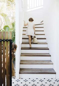 The chance to create a tranquil holiday home for their growing family was a dream come true for Lauren and Michael Charge. Up House, House Stairs, Gable House, Hamptons Style Homes, The Hamptons, Villa Rosa, Real Estate Buyers, Waterfront Property, Queenslander