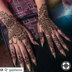 Uploaded by Jy Rose. Find images and videos about henna and mehandi on We Heart It - the app to get lost in what you love. Henna Hand Designs, Mehndi Designs Finger, Pretty Henna Designs, Bridal Henna Designs, Mehndi Design Photos, Mehndi Designs For Fingers, Mehndi Art Designs, Latest Mehndi Designs, Henna Tattoo Hand