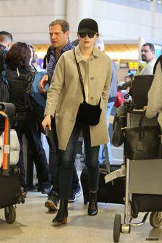 Emma Stone t LAX airport - January, 09 2017