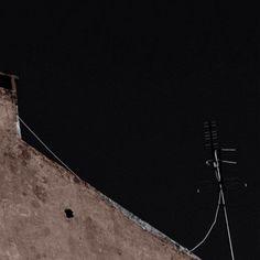 The bermuda triangle is made of three heads and it is the third head that makes it a triangle a defined shape in space that is with the capacity to make things disappear in this particular situation. - m in 'Triangle' \\ O triângulo das bermudas é feito de três cabeças e é a terceira cabeça que faz dele um triângulo isto é uma forma definida no espaço neste caso com capacidade para fazer coisas desaparecer. - m in 'Triângulo' . . . . #writer #writersofinstagram #writing #writingcommunity…