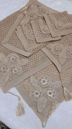 Crochet Baymax - Meet 'Hulk': The Giant Family Pit Bull Crochet Pillow, Crochet Art, Thread Crochet, Crochet Hooks, Irish Crochet Tutorial, Crochet Flower Tutorial, Crochet Leaves, Crochet Flowers, Crochet Designs