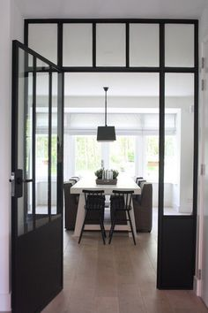 """A """"How to"""" for Stunning Home Photography: A photo pro shares secrets like camera height, lighting and lens type... (#Houzz #photography)"""