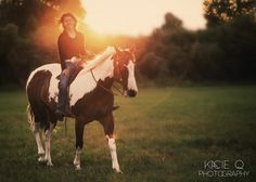 Senior Portrait Photography I Class of 2014 I Kacie Q Photography I www.kacieqphotography.com I Horses