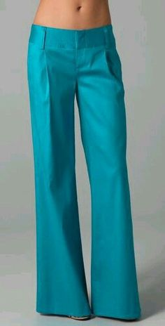 Alice & Olivia Eric Pants Beautiful colour and love the cut Pantone Turquoise, Look Fashion, Fashion Outfits, Womens Fashion, Cute Pants, Mein Style, Mode Hijab, Work Attire, Dress Me Up