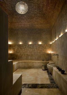 The hammam from the Palais Namaskar sauna idea Sauna Steam Room, Sauna Room, Spa Luxe, Luxury Spa, Moroccan Bathroom, Bathroom Spa, Bathroom Ideas, Steam Bathroom, Disney Bathroom