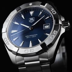 Discover the TAG Heuer Aquaracer 40.5 mm WAY1112.BA0928 .