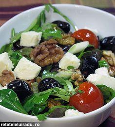 Mozzarella and walnut salad