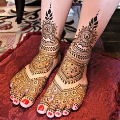 Beautiful Bridal Mehndi for Foot 2016