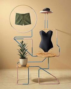 WEBSTA @ visualmerchandisingdaily - Loving this artful design #visualmerchandising #visualmerchandiser #retaillife #retaildisplay #vmdaily Via @interiorsloversla