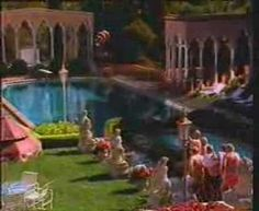 Canny Brit foxes German sunbed snatchers at the pool. TV ad from 1993…