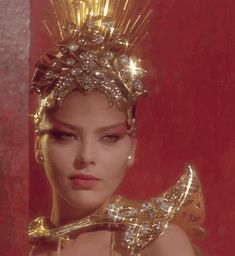 Princess Aura (Ornella Muti) in Flash Gordon Hilary Duff, Lilith Astrology, 80 Tv Shows, Ornella Muti, Flash Gordon, Figure Model, Ncis, Ikon, Science Fiction