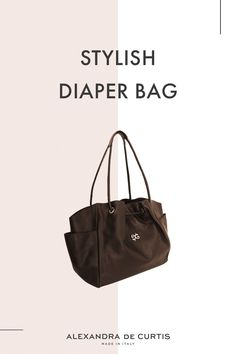 Are you looking for a stylish leather diaper bag? Click through to check out this designer diaper bag handmade in Italy! Italian Leather Handbags, Designer Leather Handbags, Leather Diaper Bags, Italian Street, Changing Bag, Brown Leather Handbags, How To Make Handbags, Italian Fashion, Leather Design