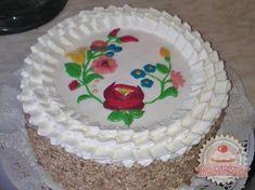 "Lime cake with ""matyó"" motifs Hungarian Cuisine, European Cuisine, Hungarian Recipes, Hungarian Cake, Hungarian Food, Lime Cake, Hungarian Embroidery, Best Cake Recipes, Cake Art"