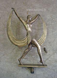 La sculpture en régule avant reparation http://www.bellino.fr/blog/?p=922